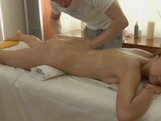 Charming masseur is plowing alluring playgirl's cunt rakishly